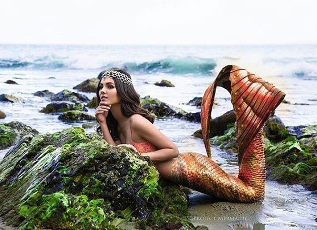 Victoria_Justice_mermaid